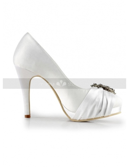 Round toe Satin Rubber sole Wedding shoes