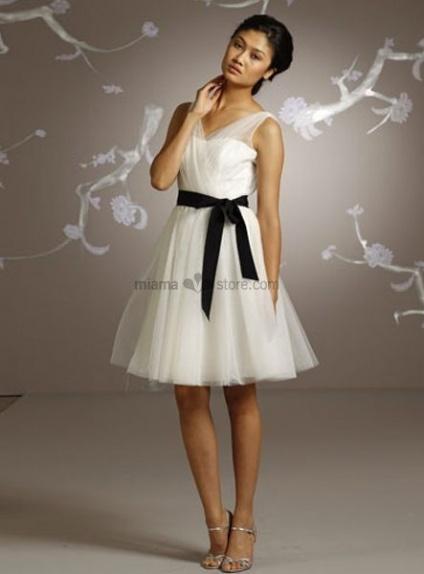 KAROLINA - Short V-neck Cheap A-line Knee length Chiffon Wedding dress