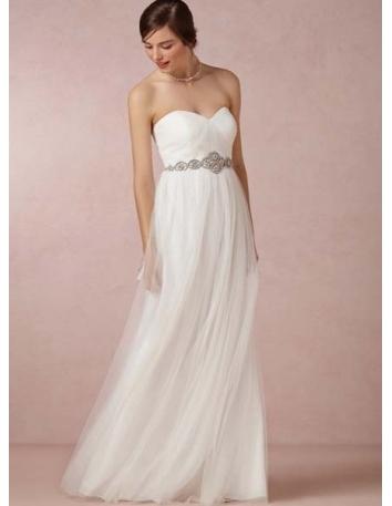 robe de mari e en tulle taille empire coupe droite bustier coeur online. Black Bedroom Furniture Sets. Home Design Ideas