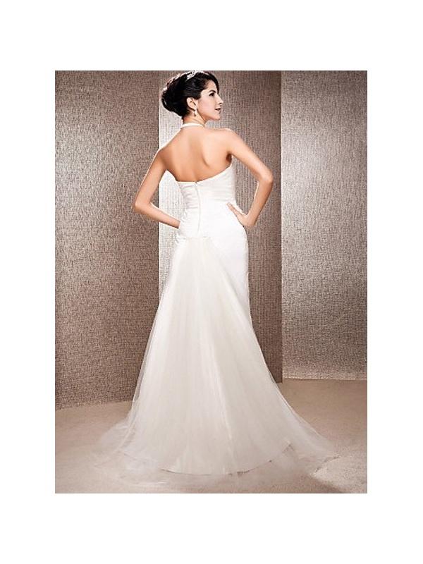 Robe de mariée coupe droite en satin courte traîne de tulle col à l'américaine