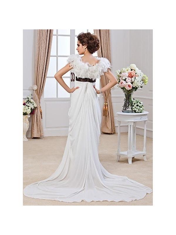 robe de mari e taille empire en chiffon drap dot e d 39 une longue tra ne. Black Bedroom Furniture Sets. Home Design Ideas
