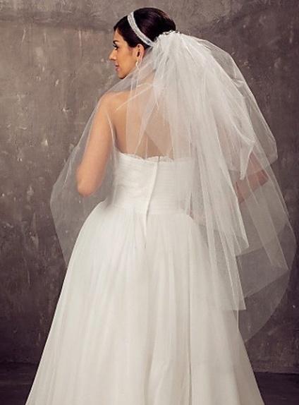 Four layers Fingertip Wedding veil