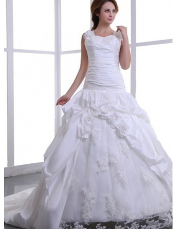 513a4312d2fa BETTY - A-line Sweetheart Chapel train Stretch satin Tulle Wedding Dress ...