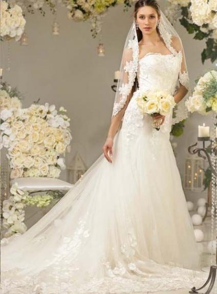 reputable site 6c24e a7fd8 Abito da Sposa in pizzo mezza sirena economico elegante e chic outlet sposa