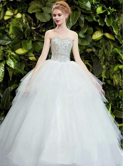Abito da sposa principesco con corpetto decorato con for Immagini con brillantini