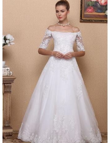 Vestito da Sposa in pizzo con maniche e scollatura a barchetta e gonna ampia