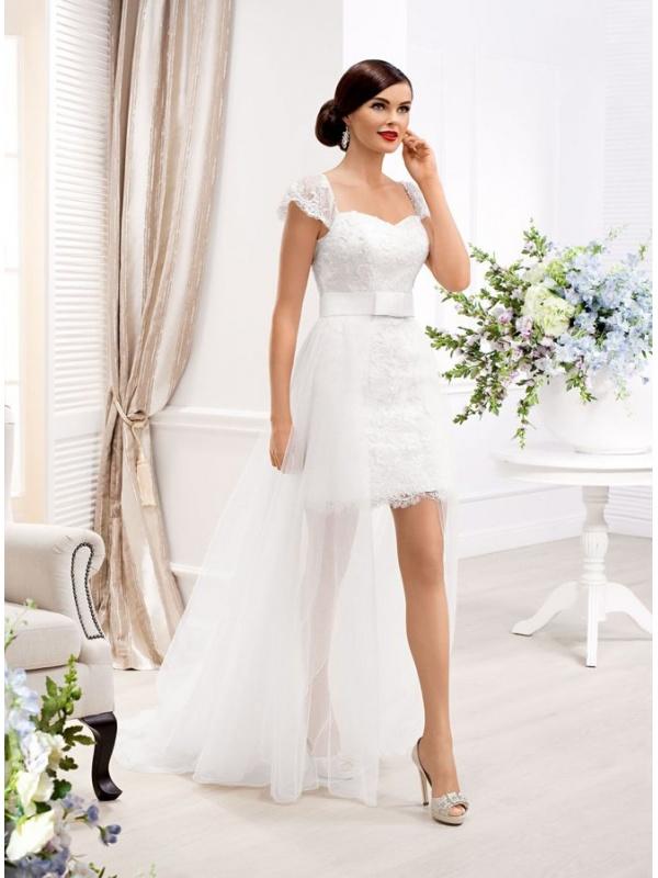 912846bee2e0 Abito da Sposa Corto con Gonna di tulle lunga effetto lungo corto in pizzo  e cintura ...
