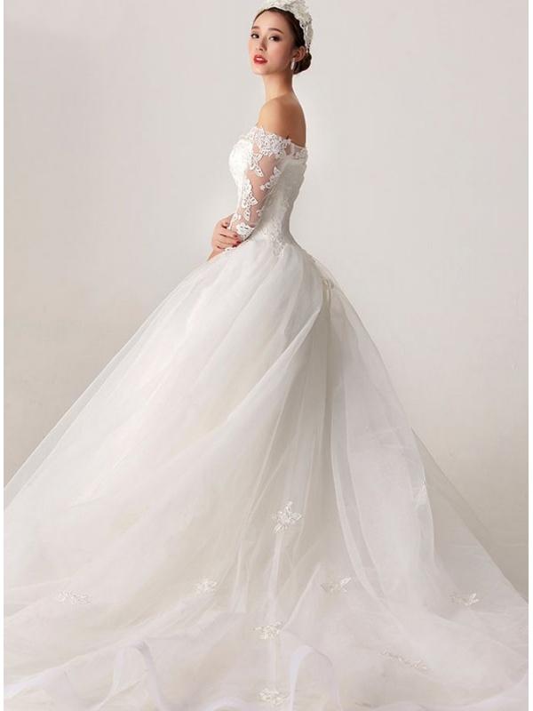779a87c246dd Abito da sposa con gonna ampia economico online con applicazioni di pizzo  ...