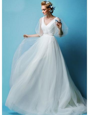 A-line V-neck Chapel train Tulle Wedding dress