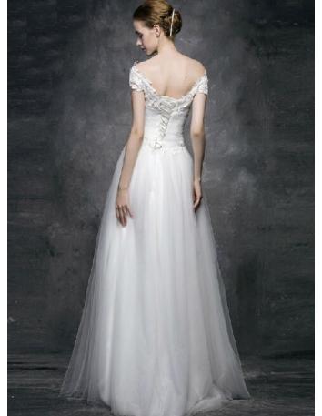 cbf3a43a7562 ... Vestito da Sposa in Tulle Semplice con scollo a barchetta in pizzo e  corpetto in tulle