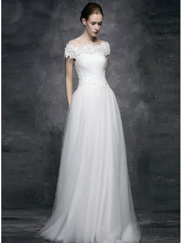 2b3d70698c40 Abiti Da Sposa Bologna Prezzi ~ Vestito da sposa in tulle semplice con  scollo a barchetta