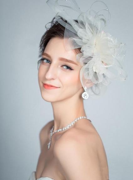 Veletta Sposa Online Matrimonio molto particolare e raffinata
