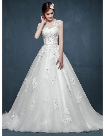 2403159c0a89 Acquista ora il tuo abito da sposa con scollo a cuore. Spedizione ...