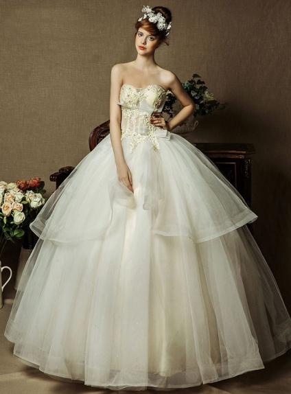 Robe De Mariée Style Princesse Bustier Coeur Jupe En Tulle à Volants