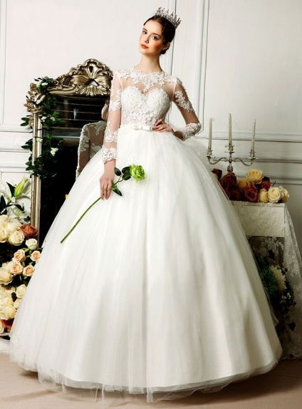 A-line Ball gown Floor length Tulle Low round/Scooped neck Wedding dress