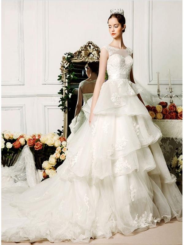 b98ddeac9d7f Vestito Sposa Con Balze ~ Vestito da sposa online principesco con gonna  vaporosa a