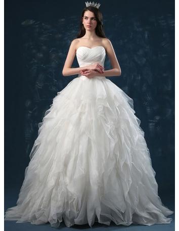 A-line Ball gown Sweetheart Floor length Organza Wedding dress