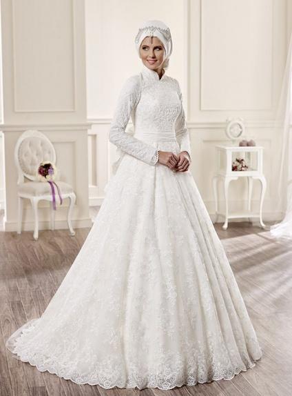 A-line Chapel train Lace High round/Slash neck Wedding dress
