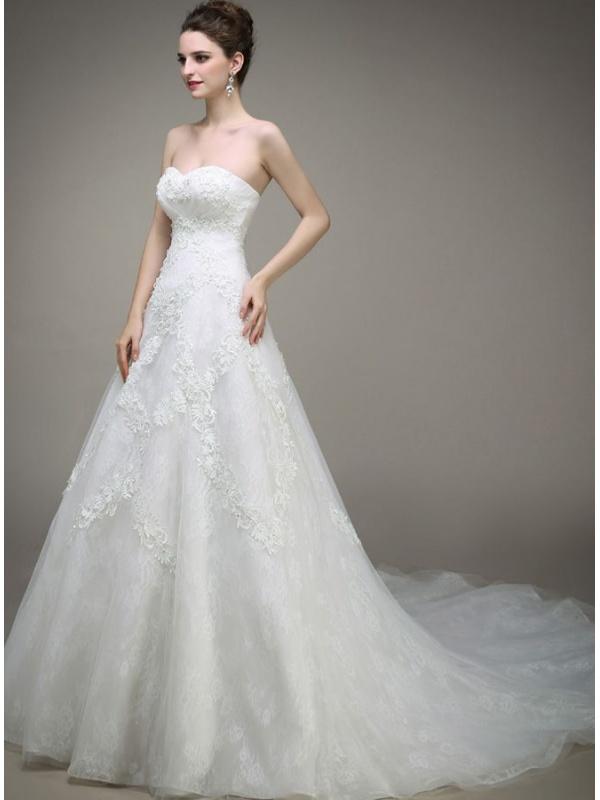 A line sweetheart chapel train tulle lace wedding dress for A line sweetheart lace wedding dress