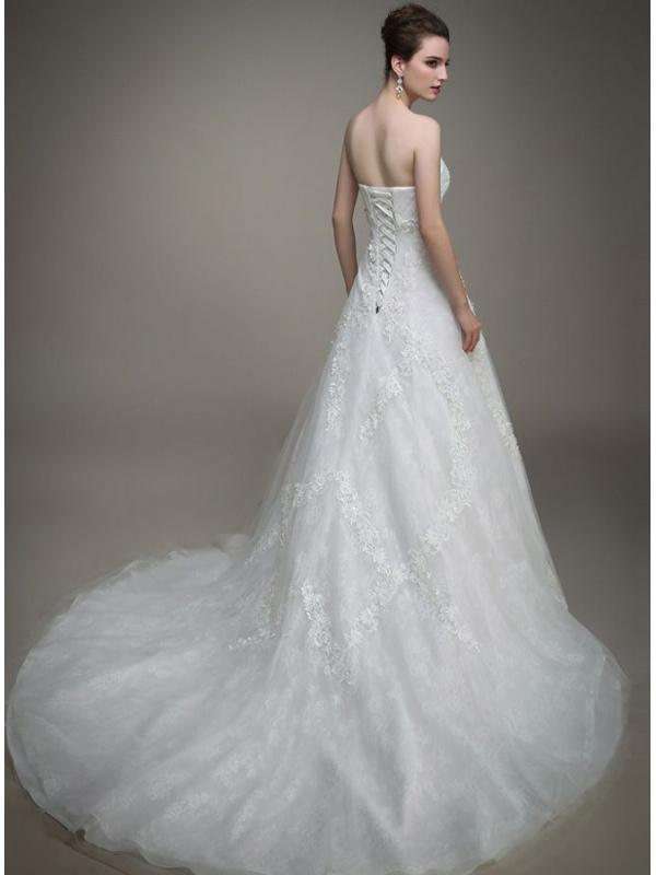 A Line Sweetheart Chapel Train Tulle Lace Wedding Dress