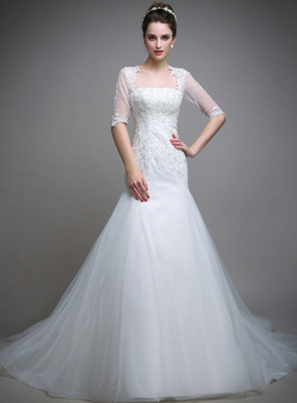 Chapel train Tulle Square neck Wedding dress