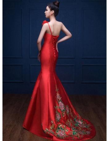 9f40f58aa095 ... Abito da Sera elegante a Sirena rosso con ricami di rose e paillettes  dorate 2