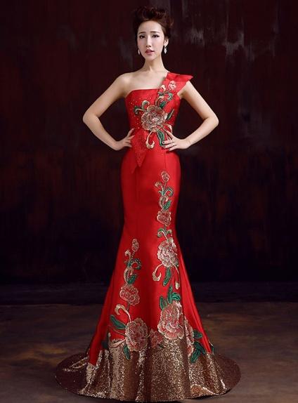 4ba5cd161b3a Rasse Tutti Vestiti Di Rosso - Querciacb