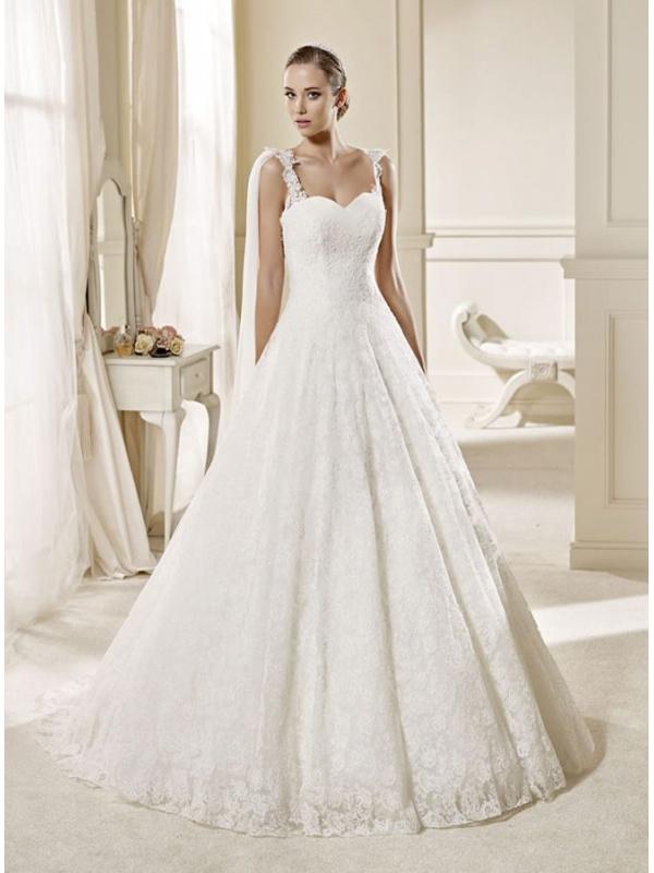 12fc235e3cb2 Abiti Da Sposa Con Le Spalline ~ Abito da sposa a line interamente di pizzo  con