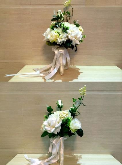 Bouquet Sposa elegante con fiori bianchi artificiali