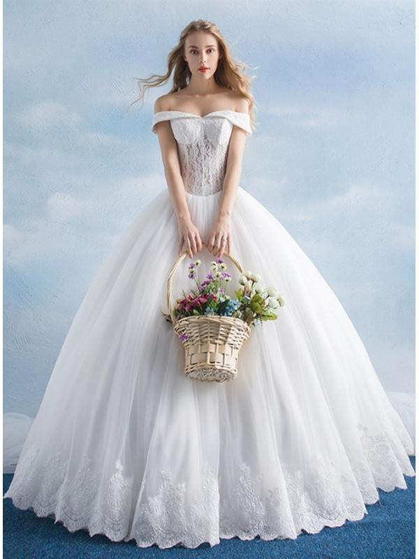 409751af9483 Abito da Sposa principesco con bustino trasparente di Pizzo online