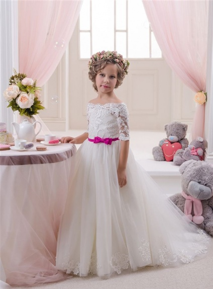 Flower girl A-line Chapel train Tulle Off the shoulder Wedding party dress