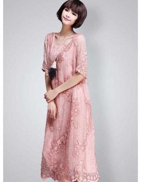 Abito elegante in Pura seta rosa con ricami tono su tono