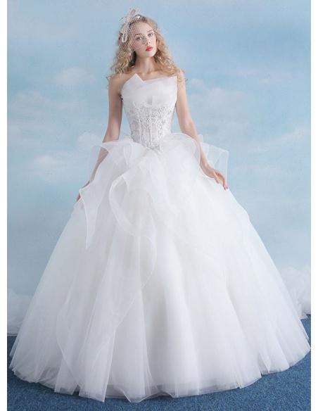 Fantastico abito da sposa particolare ed esclusivo con gonna principesca