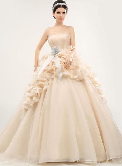 Abito da Sposa Champagne principesco con gonna drappeggiata elegante