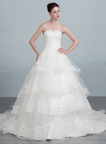 A-line Strapless Chapel train Tulle Lace Wedding dress