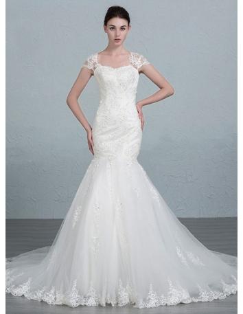 ea05eac4015f Matrimonio a novembre – l outfit giusto per un matrimonio autunnale ...