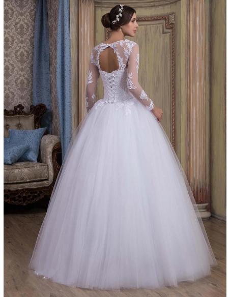 Long sleeved elegant Princess gown wedding dress