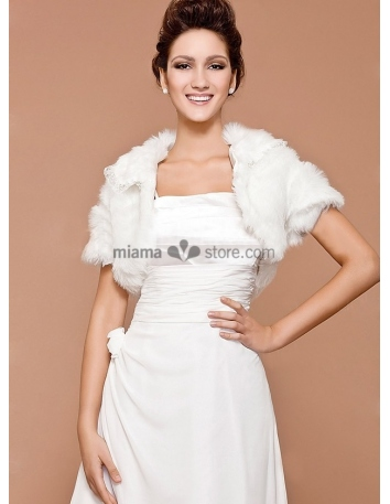 Short sleeves Bright faux fur Lace Bridal jacket Wedding wrap