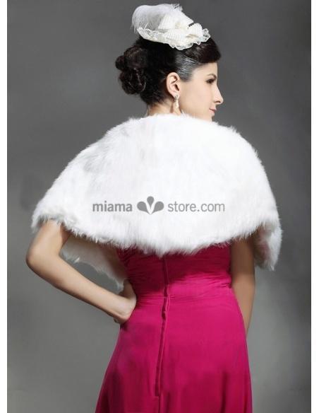 Mantella da Sposa in eco pelliccia