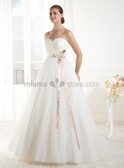 ISABELLA - A-line Sweetheart Empier waist Chapel train Tulle Wedding dress