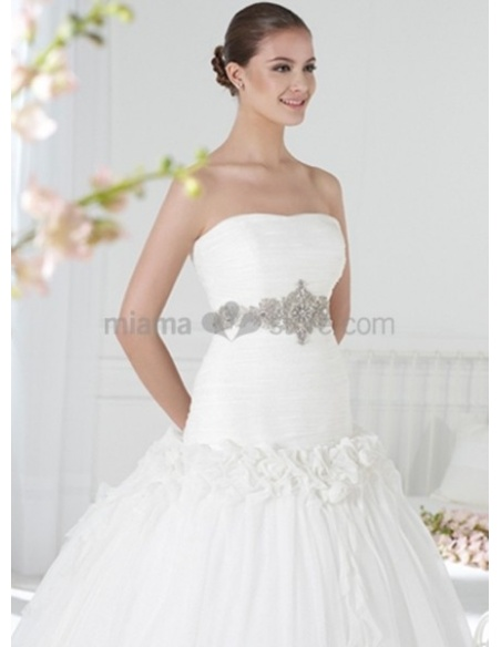 WHITHEY - A-line Strapless Chapel train Organza Wedding dress